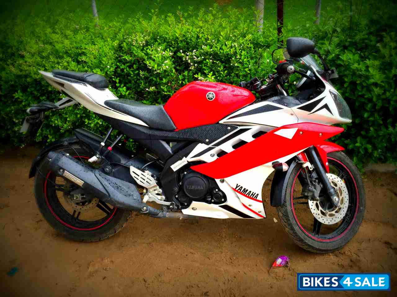 R15 V2 Red And White Customized Whit...