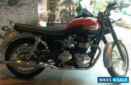 Red And Black Triumph Bonneville T100 For Sale In Mumbai