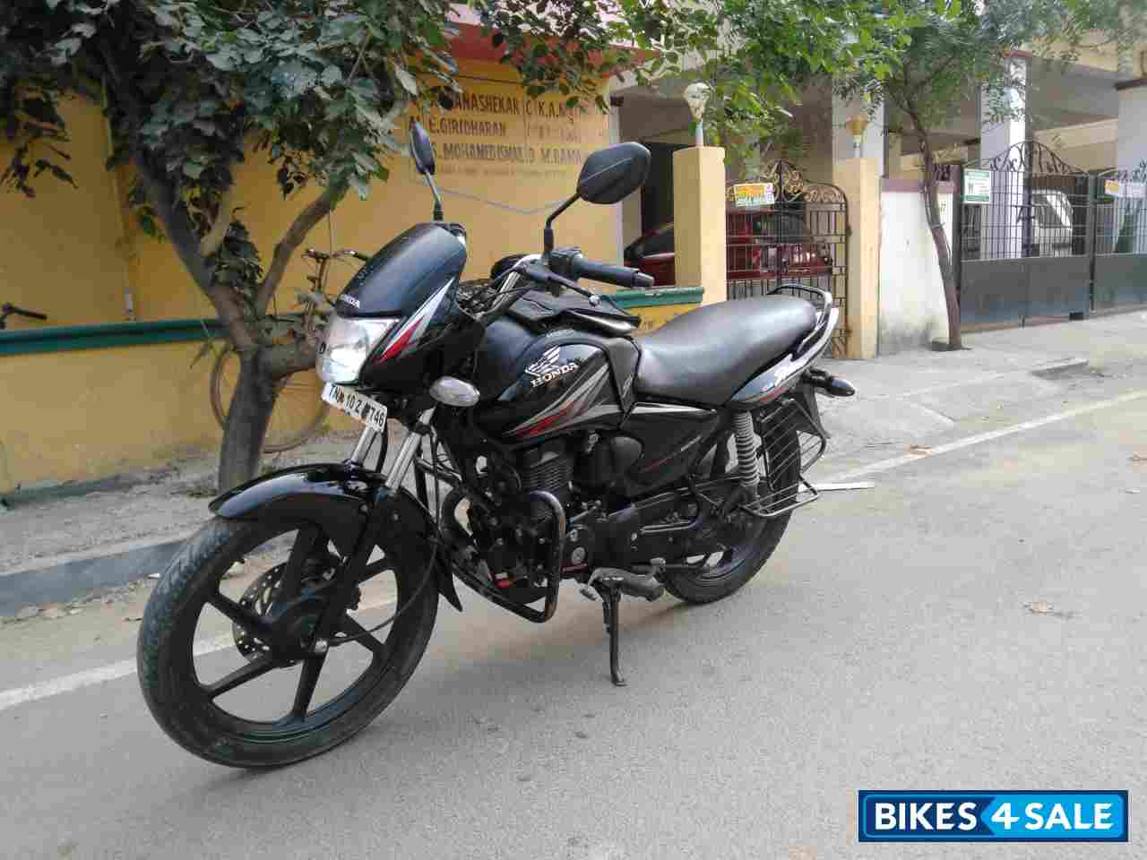 Black Red Honda Shine For Sale In Chennai This Bike Is A