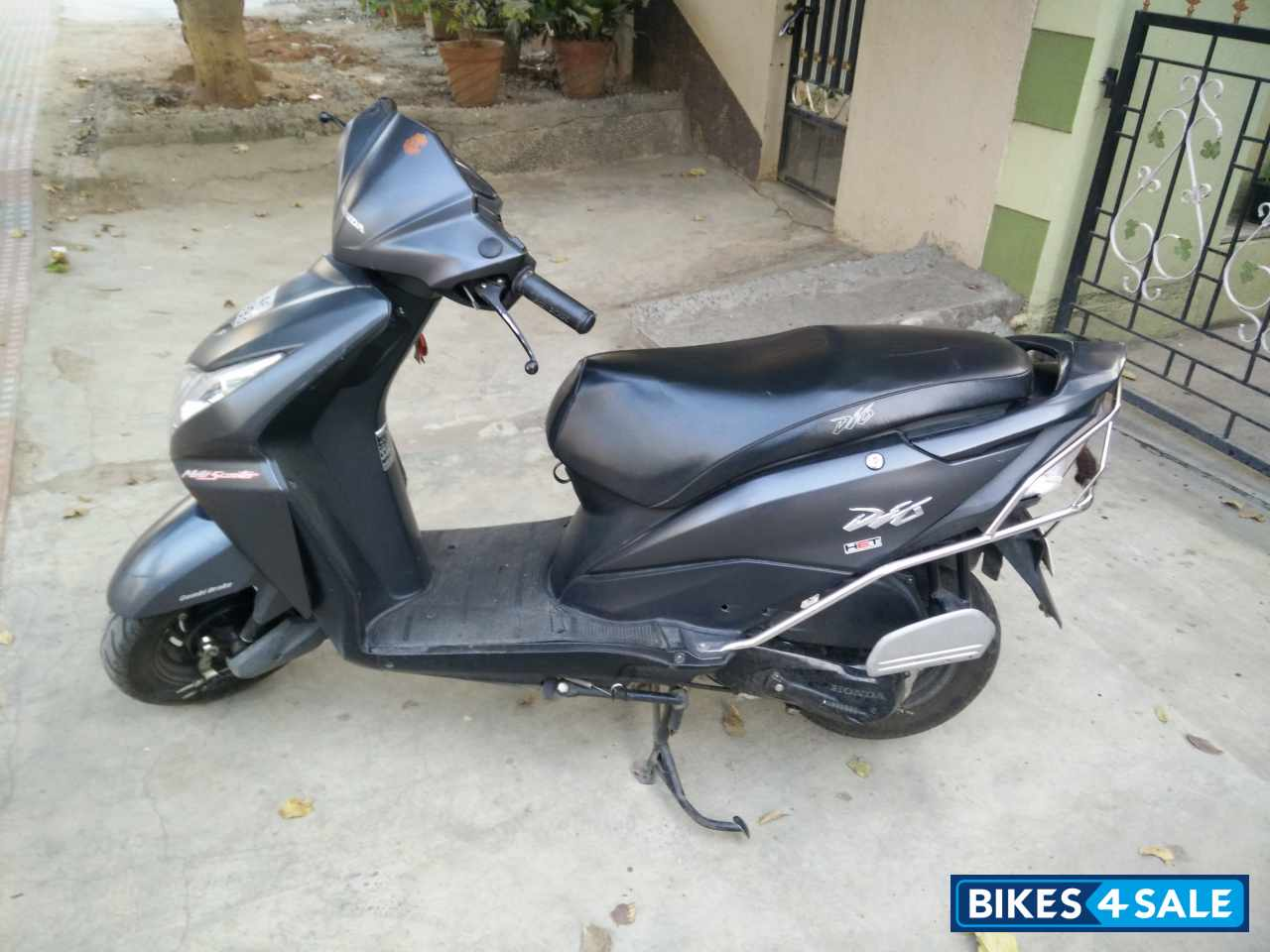 Grey Honda Dio for sale in Bangalore. Bike in excellent condition, insurance till November 2016 ...