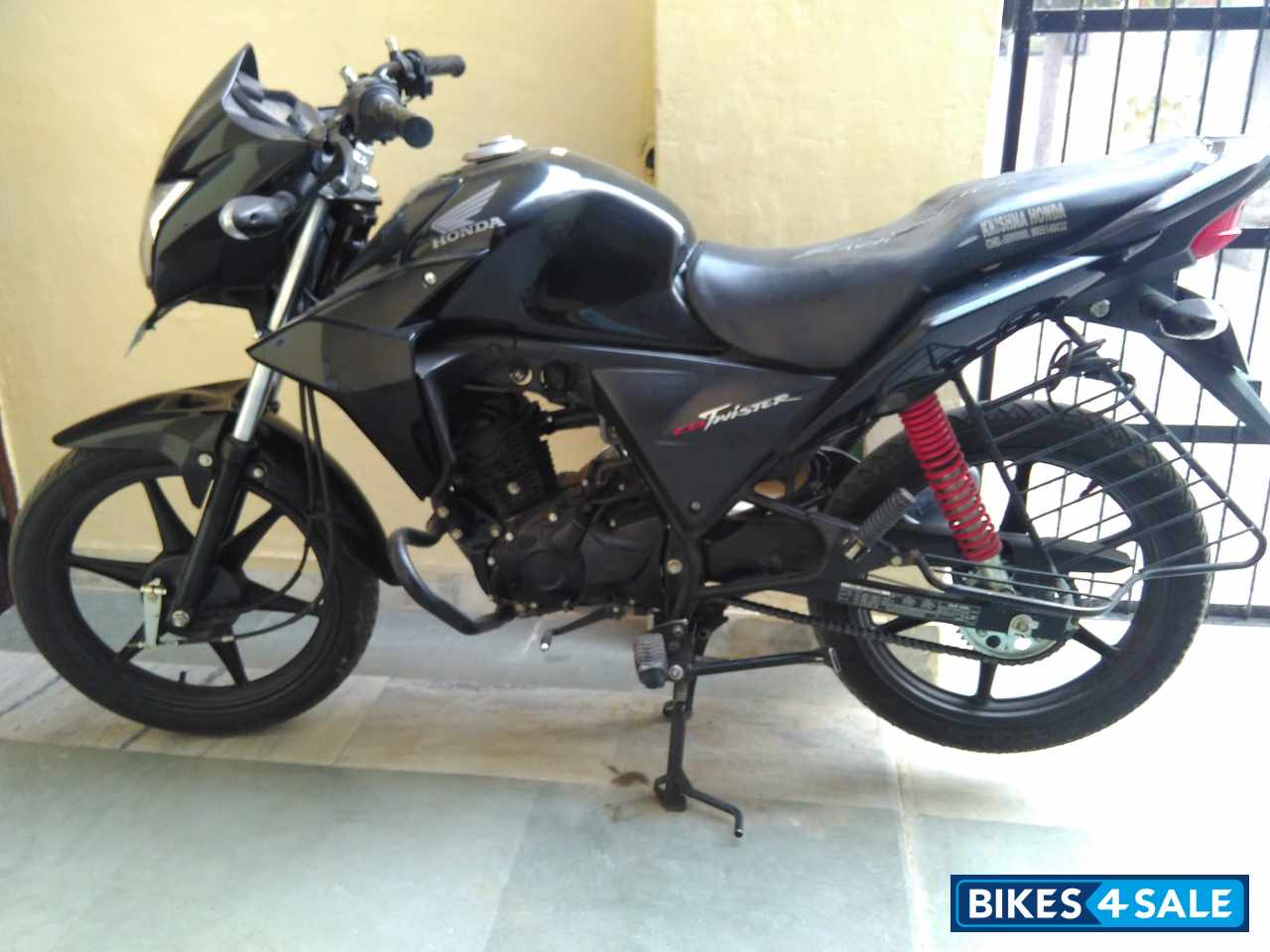 Black Honda Cb Twister For Sale In Mohali Great Condition