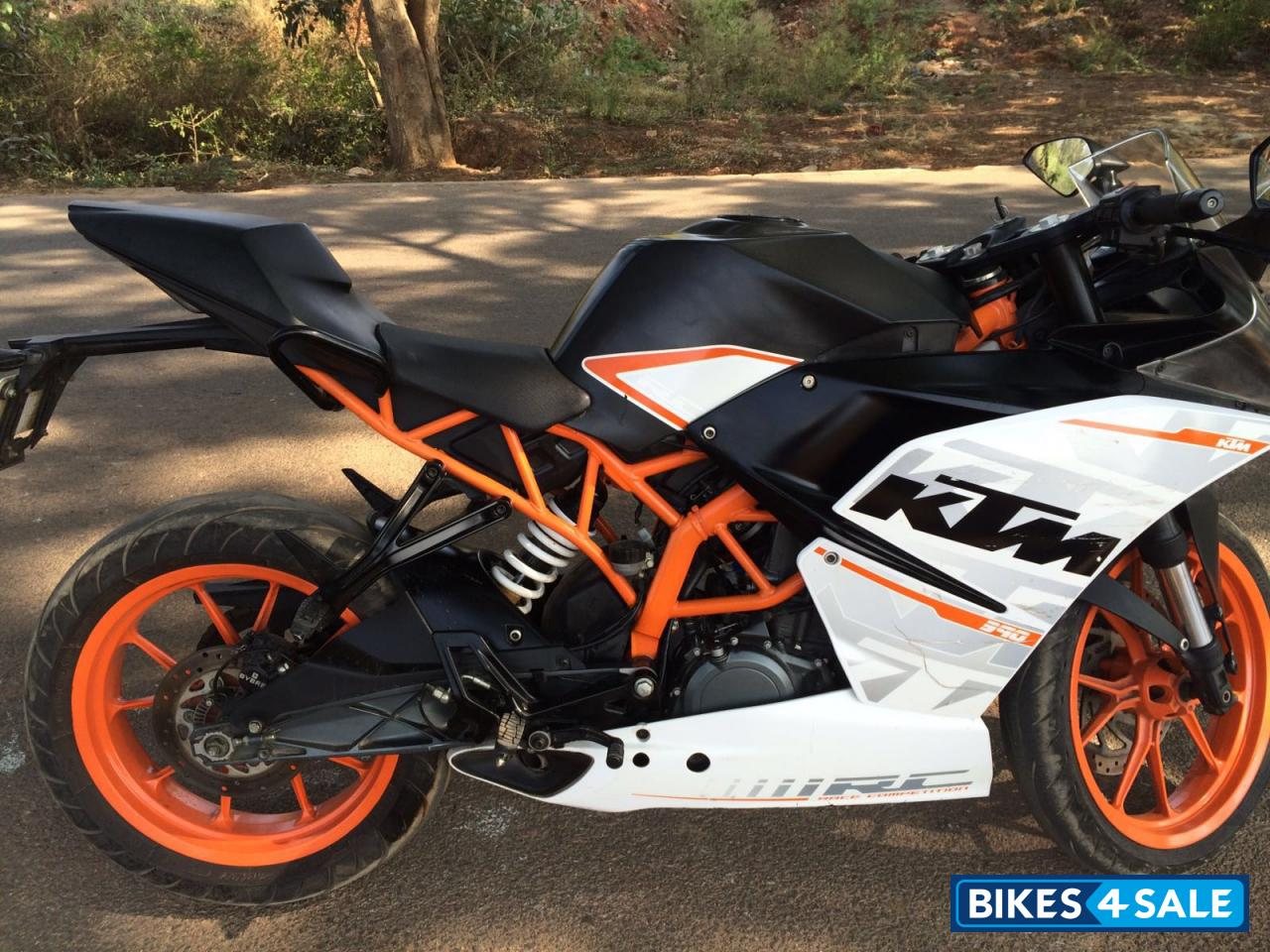 white ktm rc 390 - photo #7