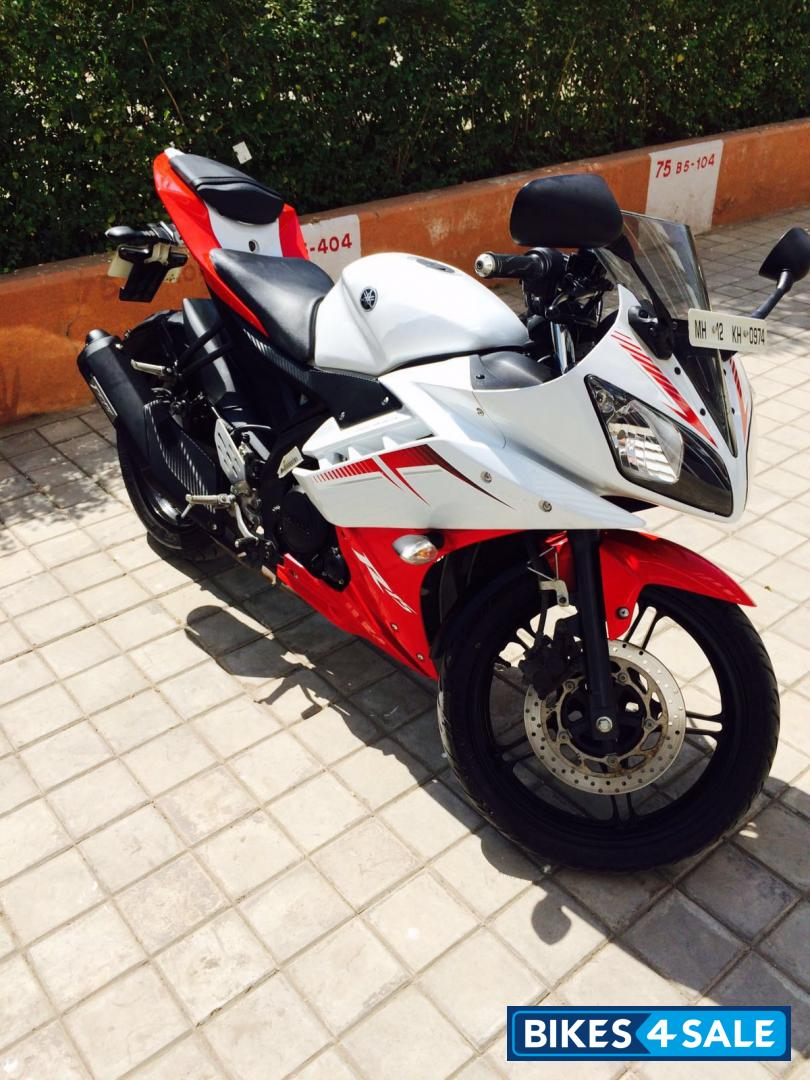 R15 V2 Red And White Red And White Y...
