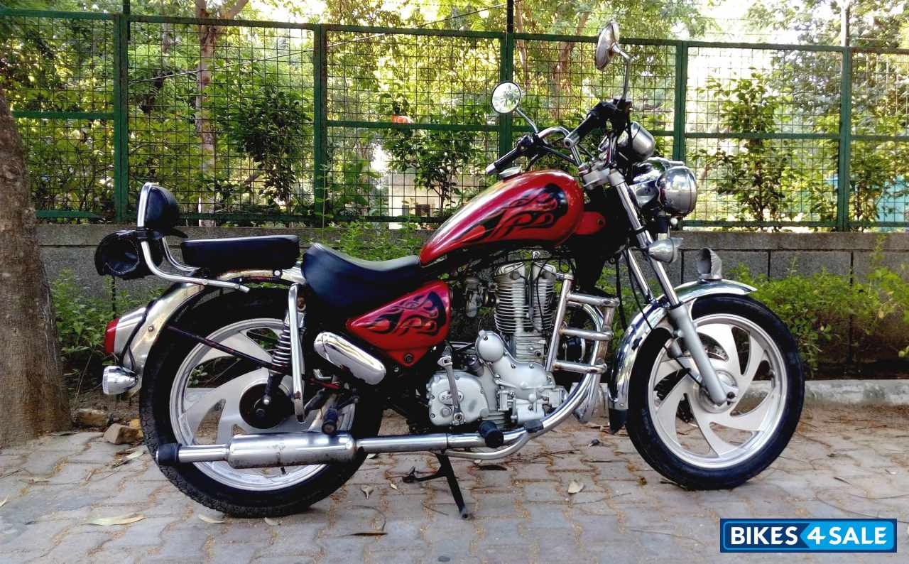 Used 2004 model Modified Bike Royal Enfield Thunderbird for