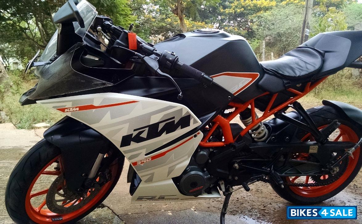 white ktm rc 390 -#main