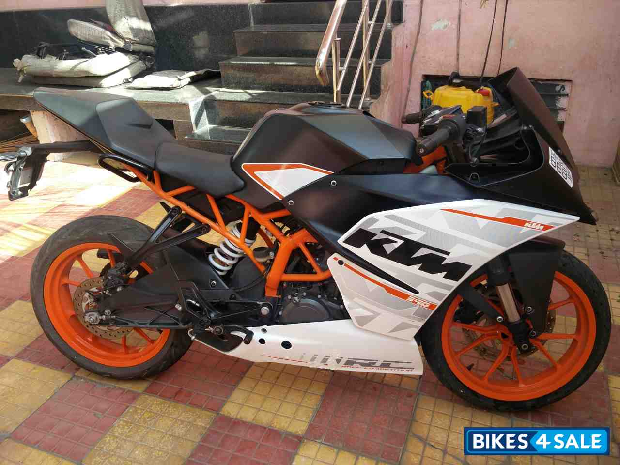 white ktm rc 390 - photo #17