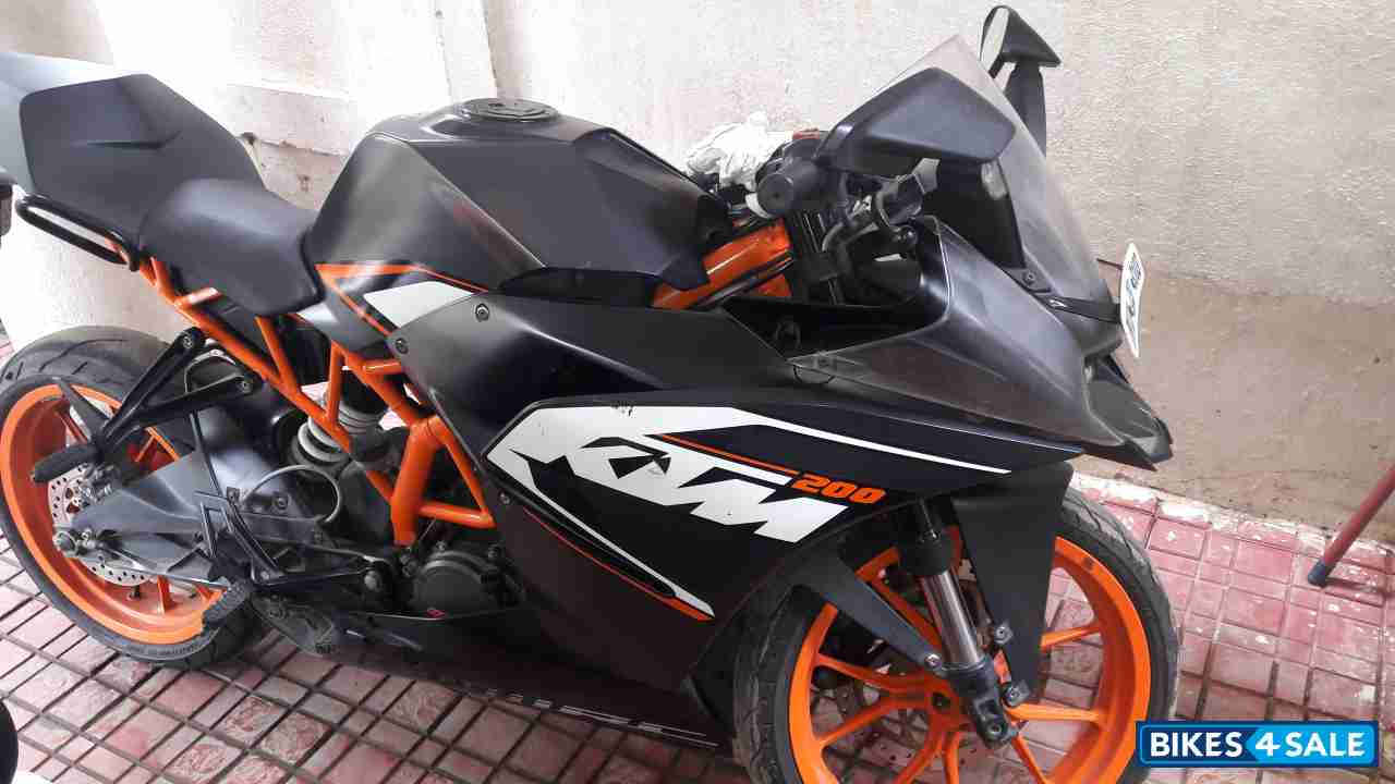 black ktm rc 200 for sale in chennai well maintained and. Black Bedroom Furniture Sets. Home Design Ideas