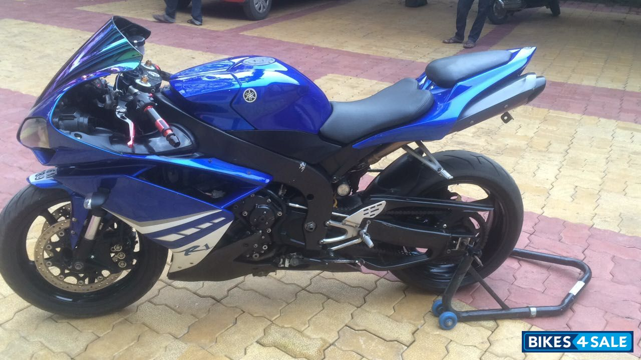 yamaha r1 blue bike - photo #30