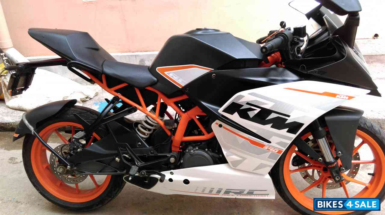 white ktm rc 390 - photo #2