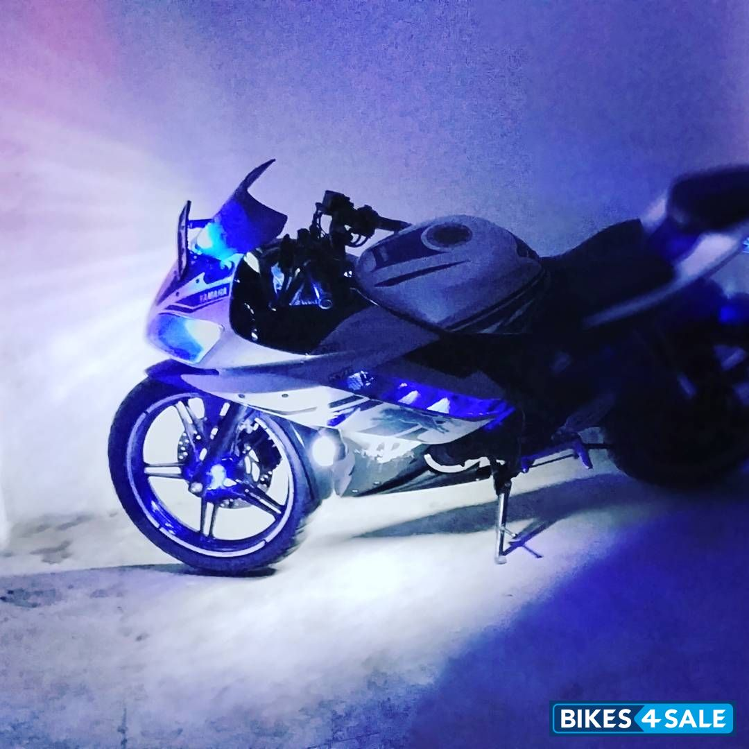 Used 2013 model Yamaha YZF R15 V2 for sale in Shimla  ID