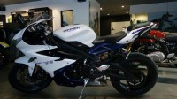 Blue/white Triumph Daytona 675