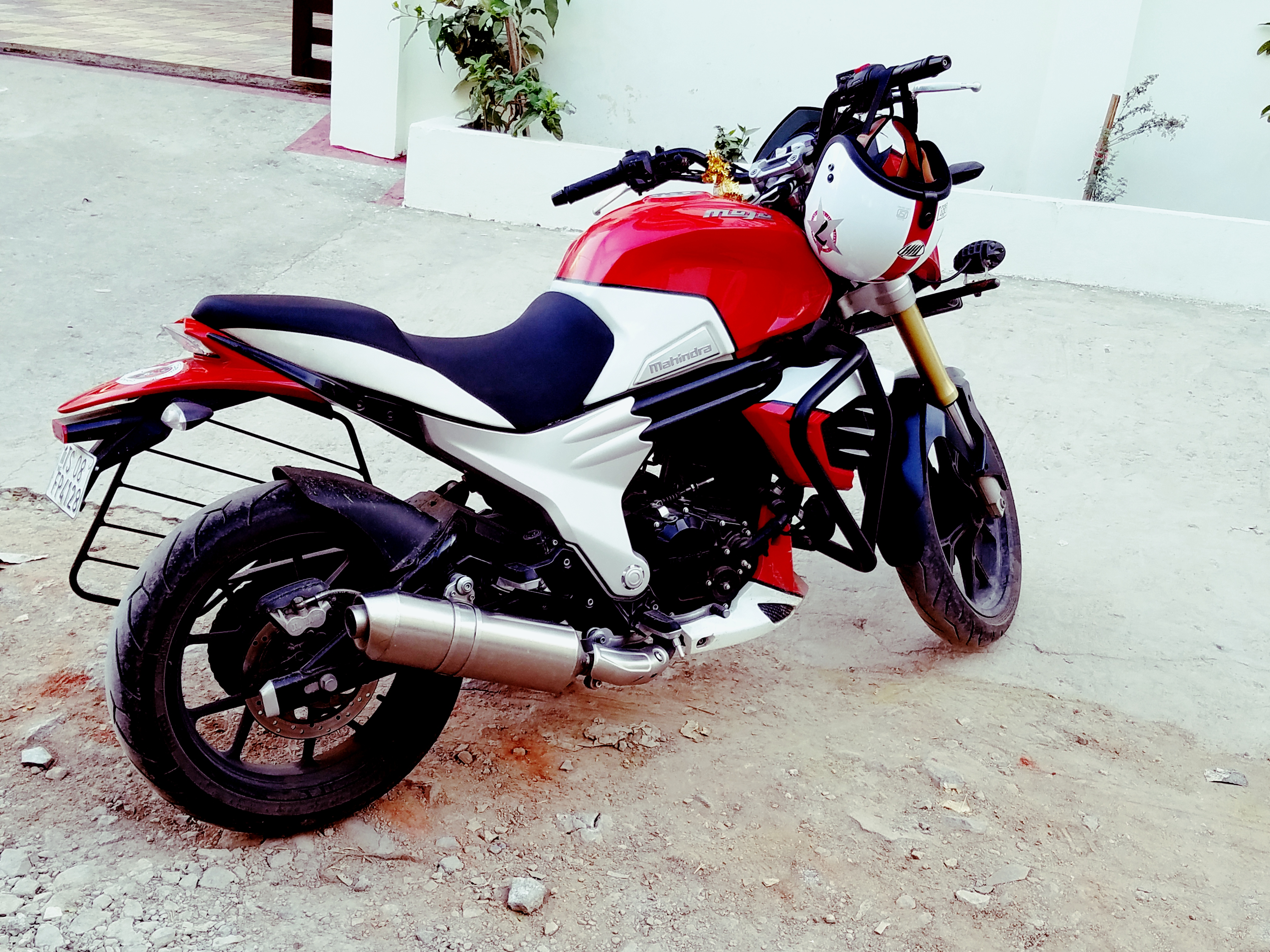 Used Mahindra Mojo in India with warranty. Loan and ...