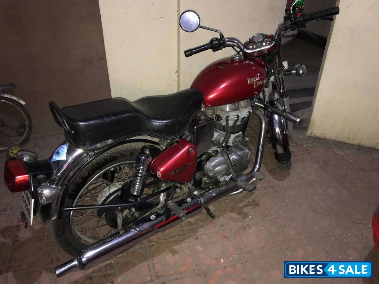 Red Royal Enfield Bullet Electra Twinspark