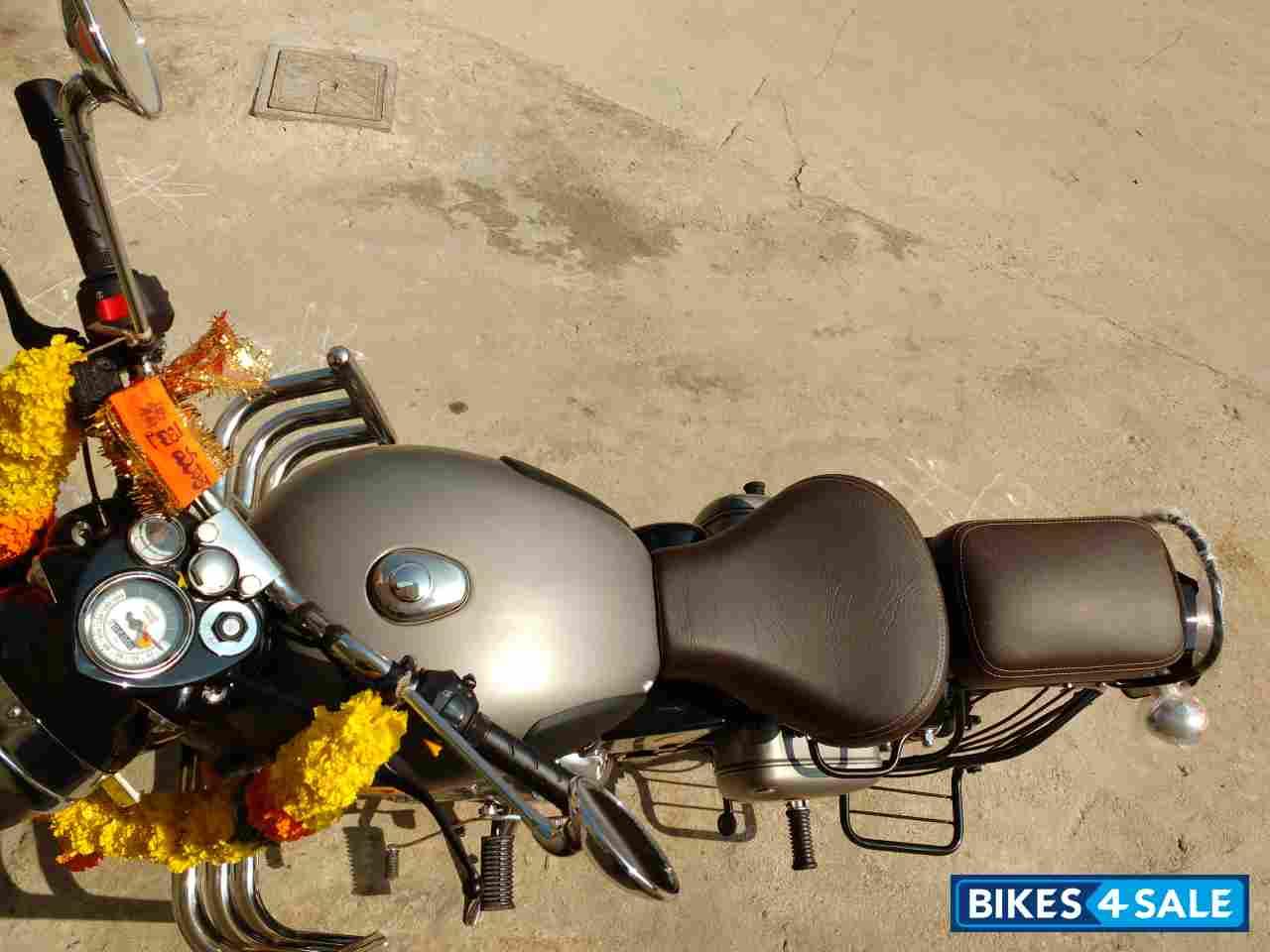 Used 2018 Model Royal Enfield Classic Gunmetal Grey For Sale In Mumbai Id 179328 Gunmetal Gray Colour Bikes4sale