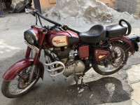 Maroon Royal Enfield Classic 350 Redditch Red