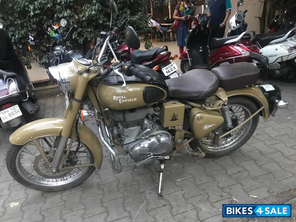 Sand Royal Enfield Classic Desert Storm