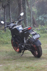 Ebony Black KTM Duke 200