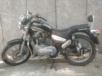 Black Royal Enfield Thunderbird 350