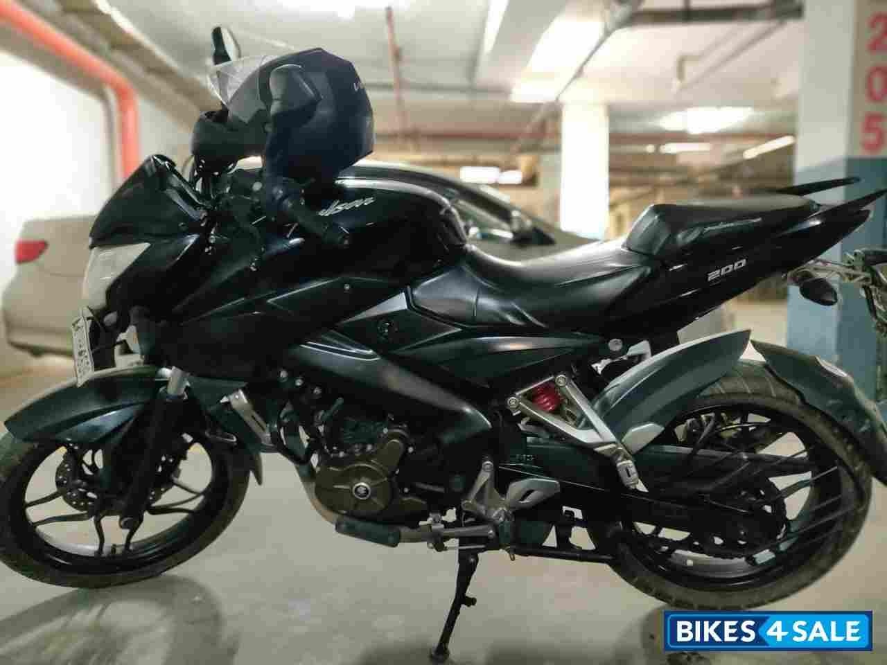 Bajaj Pulsar 200 NS price 96,000 Rs, specifications