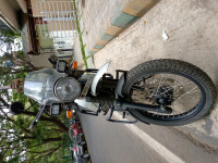 White Royal Enfield Himalayan