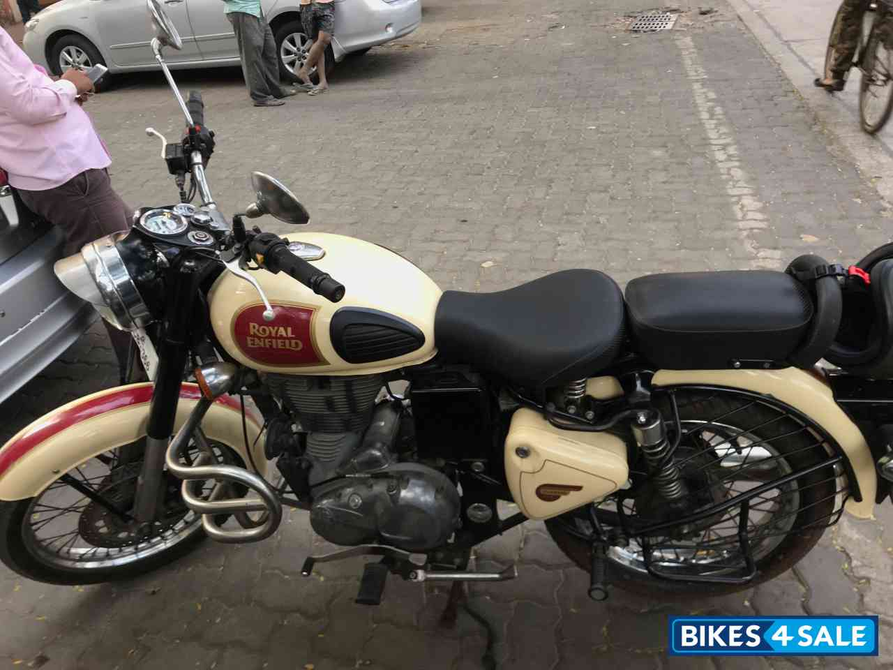 Tan Royal Enfield Classic 500