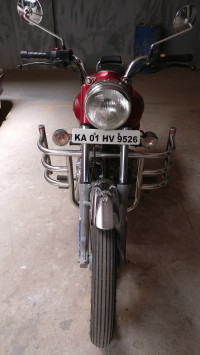Red Royal Enfield Bullet 350 ES