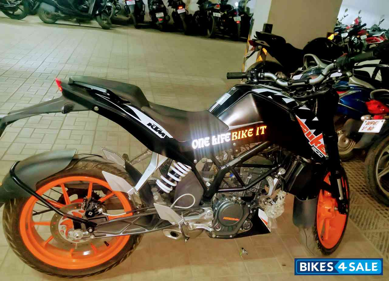Used 2017 Model Ktm Duke 200 For Sale In Lucknow Id 215554 Bikes4sale