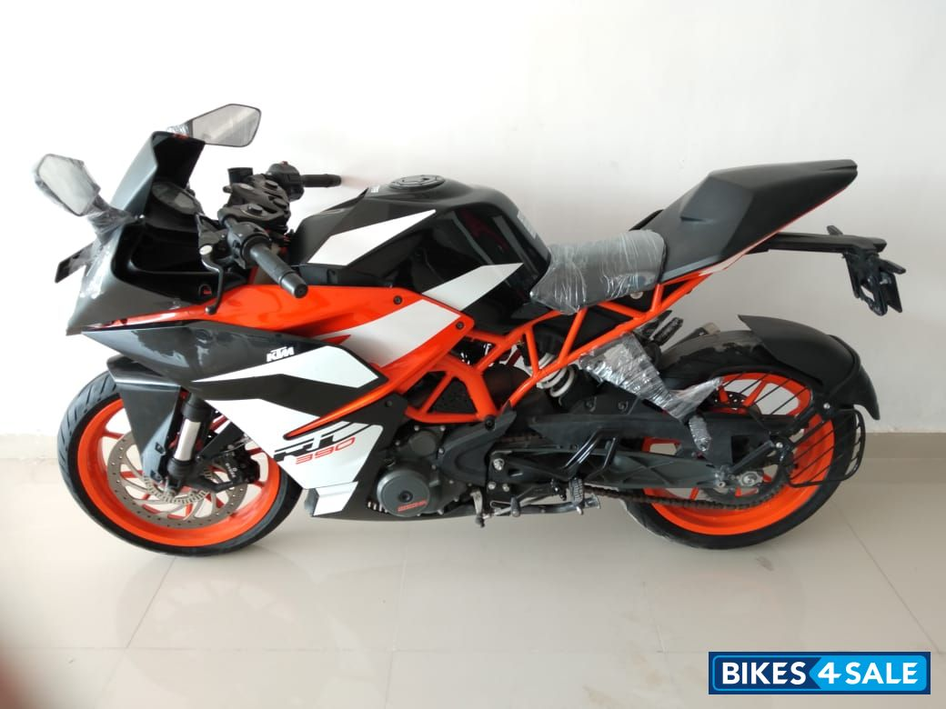 Used 2018 Model Ktm Rc 390 For Sale In New Delhi Id 218089 Bikes4sale
