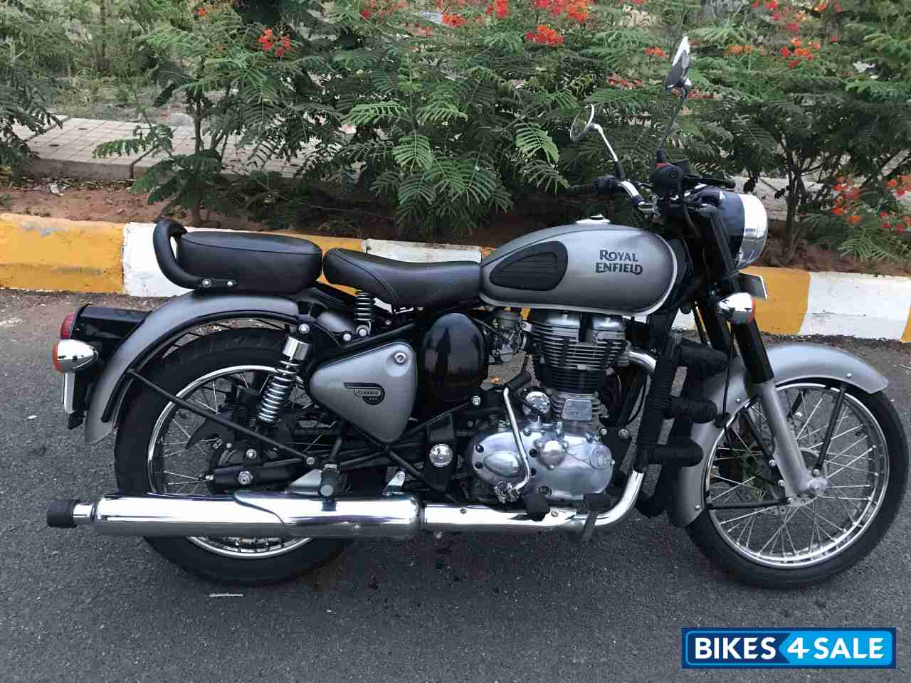 Used 2018 Model Royal Enfield Classic Gunmetal Grey For Sale In Bangalore Id 223414 Bikes4sale