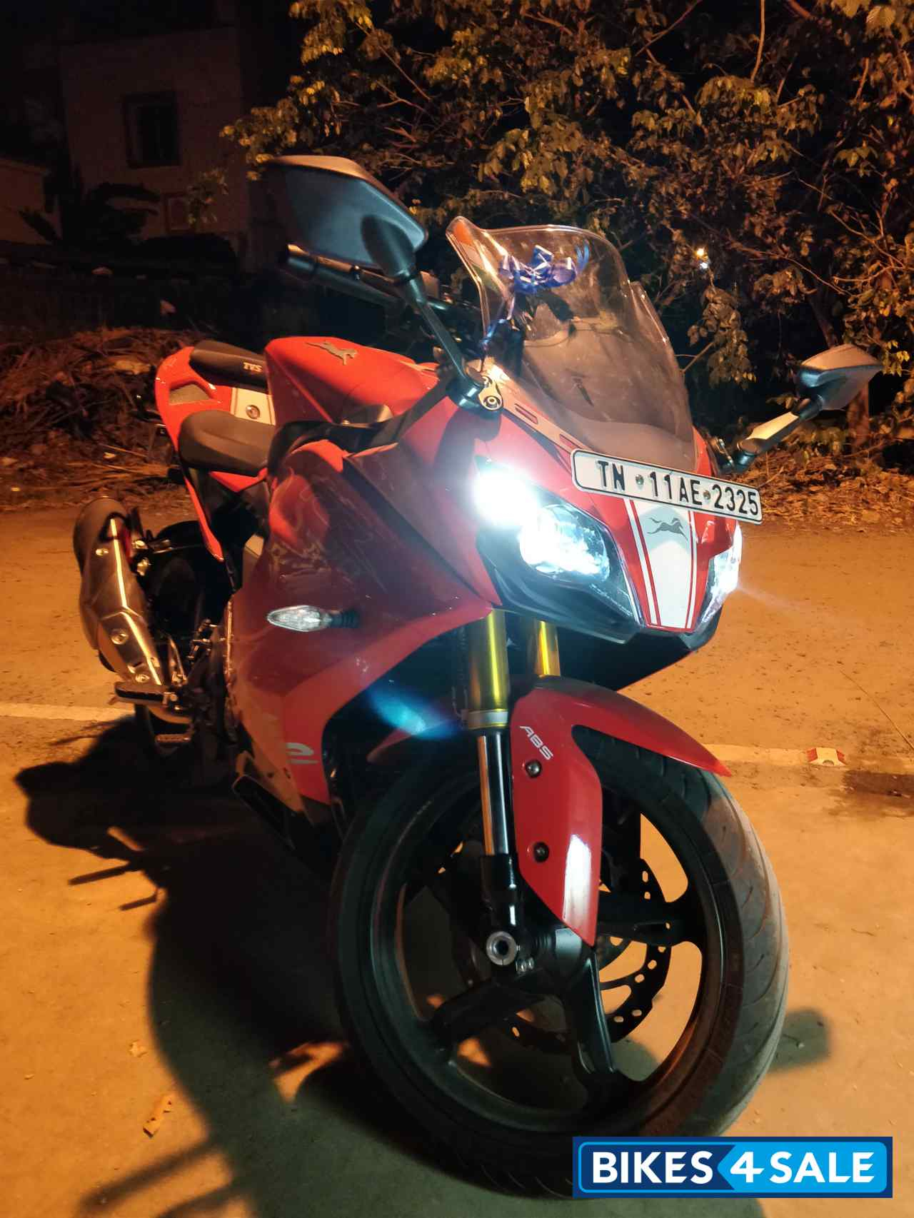 Red TVS Apache RR 310