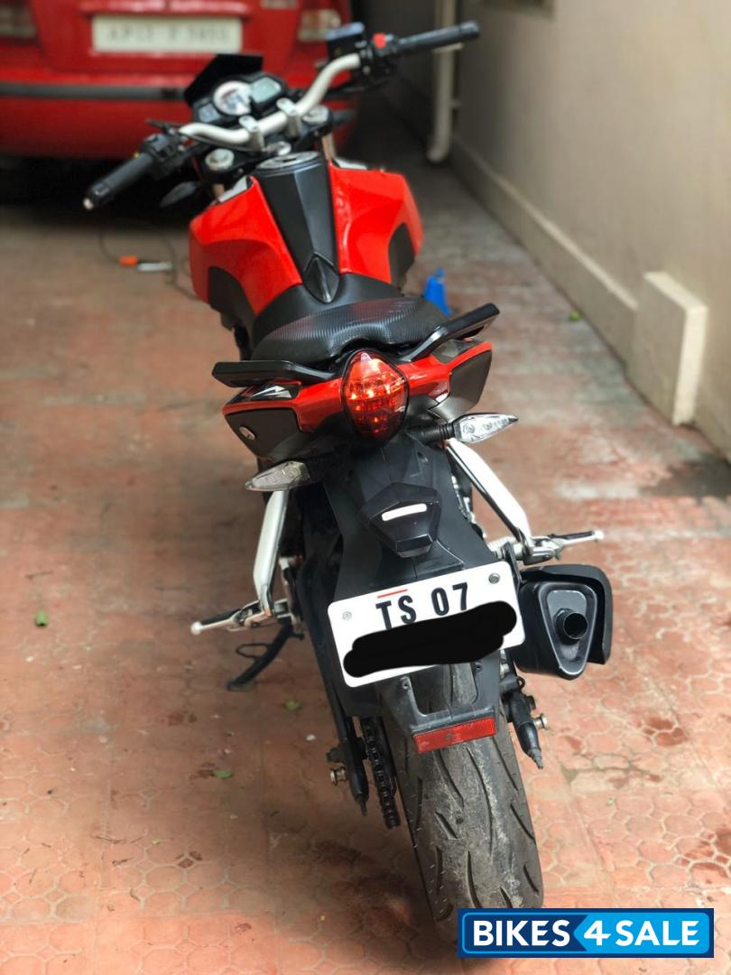Red Benelli TNT 25