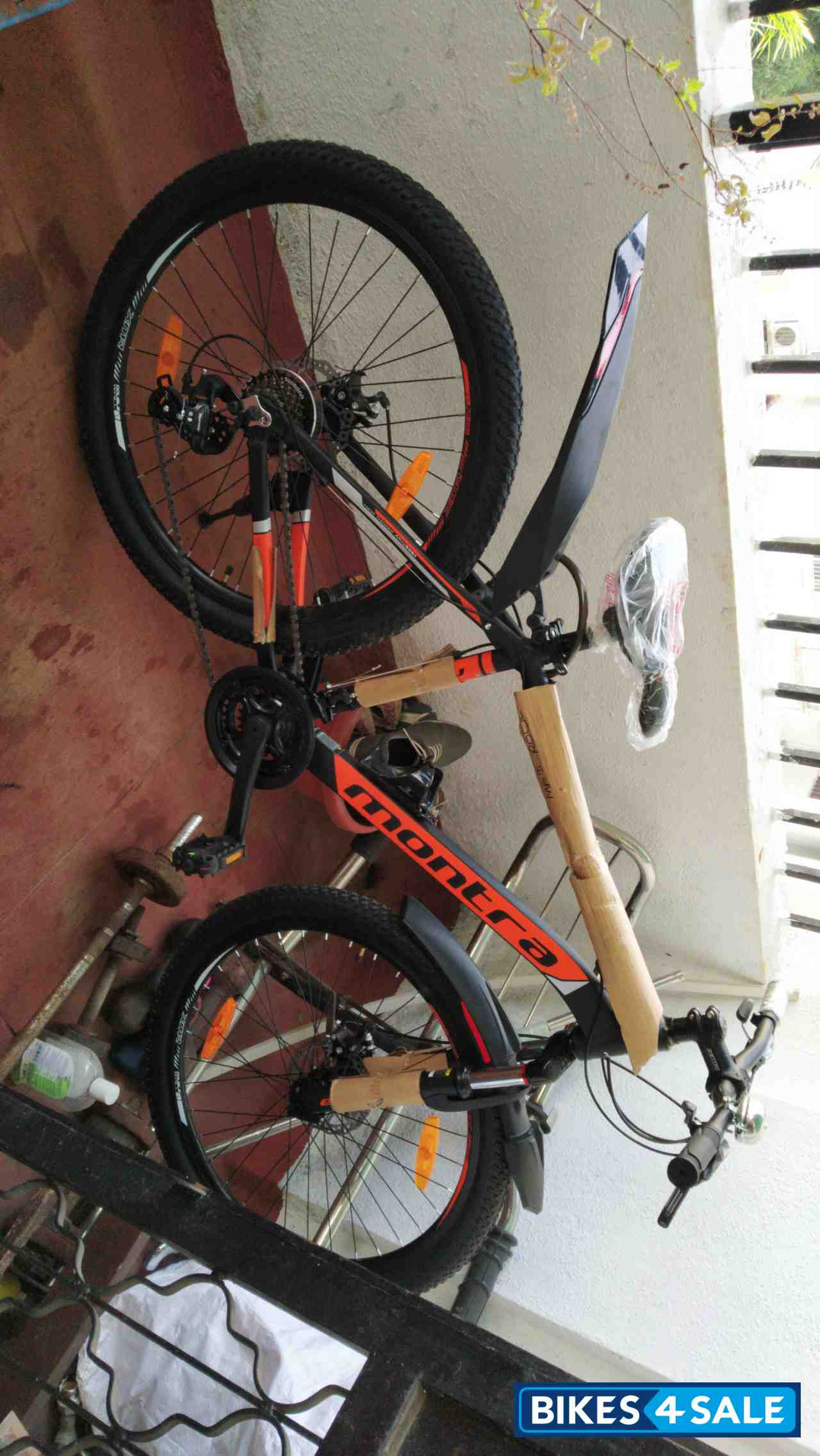 Bicycle  Montra madrock 26