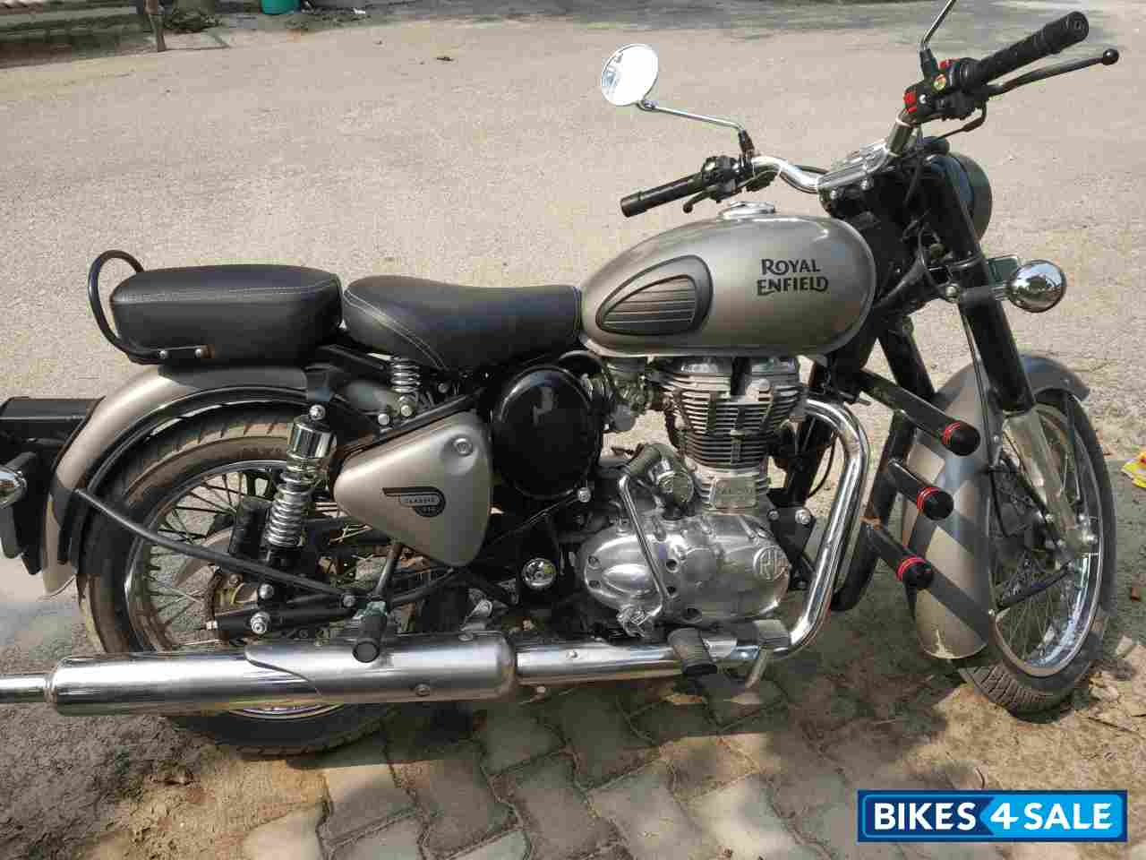 Used 2019 Model Royal Enfield Classic Gunmetal Grey For Sale In Moradabad Id 262994 Classic 350 Abs Gunmetal Colour Bikes4sale