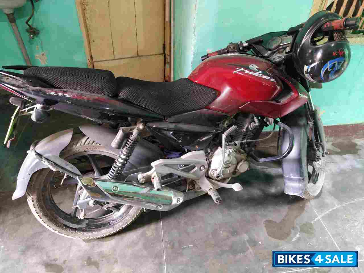 Red Bajaj Pulsar 135LS