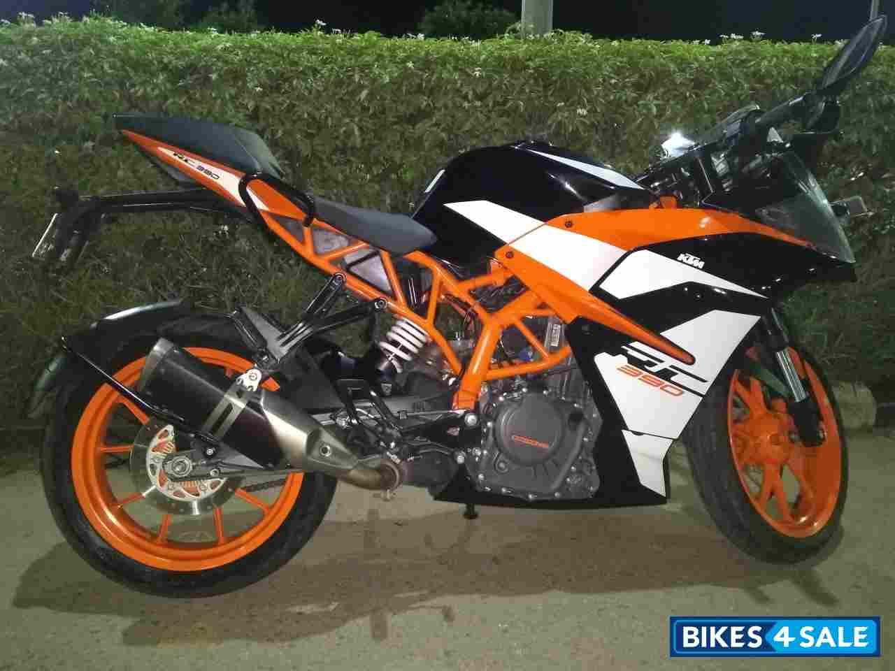 Black Orange White Ktm Rc 390 Picture 1 Bike Id 278363 Bike Located In Bangalore Bikes4sale