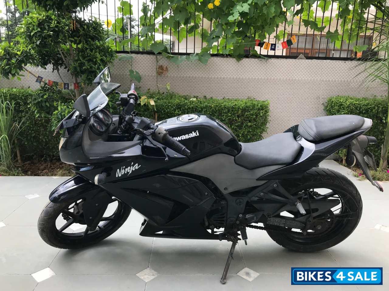 Used 2009 Model Kawasaki Ninja 250r For Sale In Faridabad Id 280529 Black Colour Bikes4sale