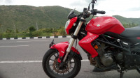 Red Benelli TNT 300