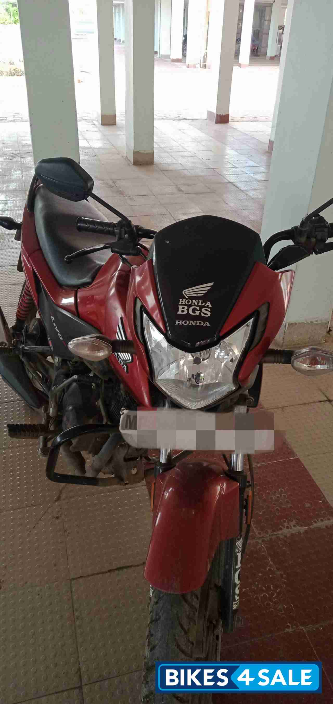 Red Honda Livo 110
