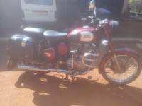 Maroon Royal Enfield Classic 350
