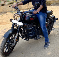 Royal Enfield Classic Stealth Black 2020 Model
