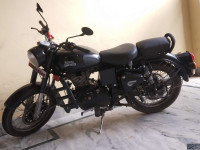 Stealth Black Royal Enfield Classic 500