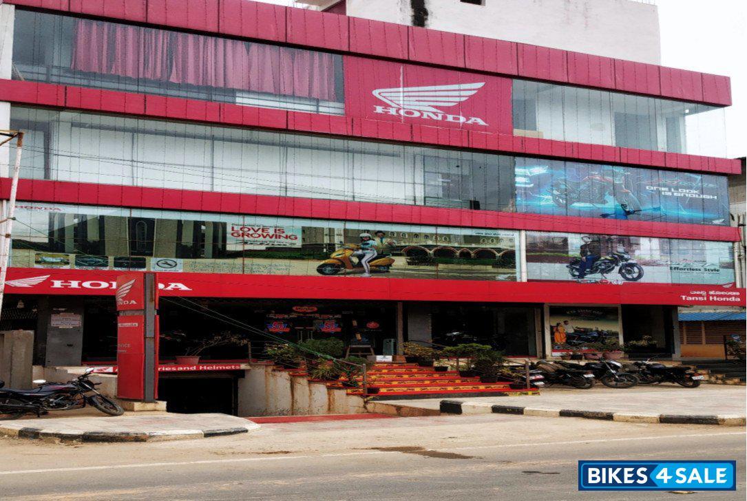 Car and bike store 4