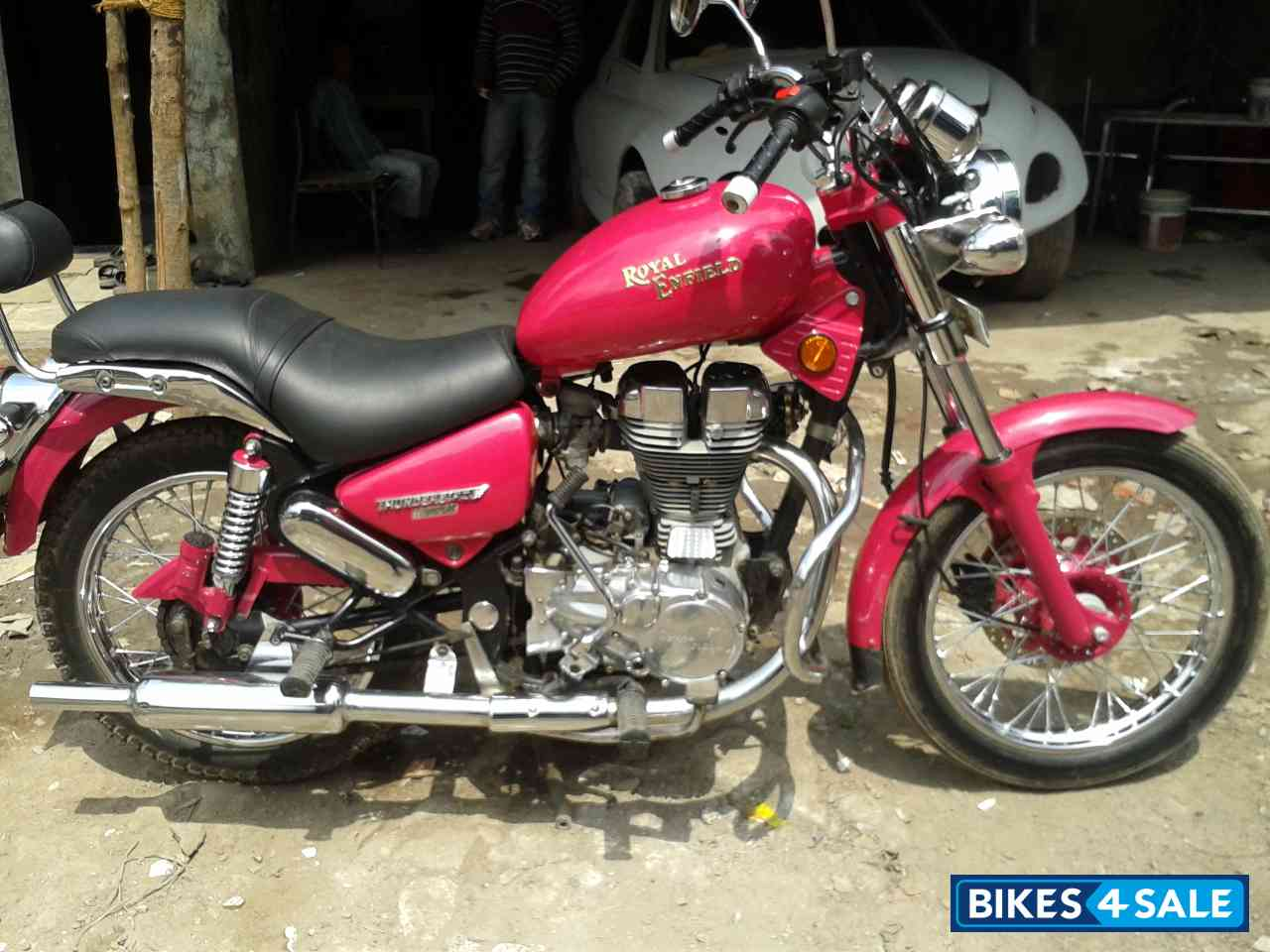 Red Royal Enfield Thunderbird TwinSpark 350