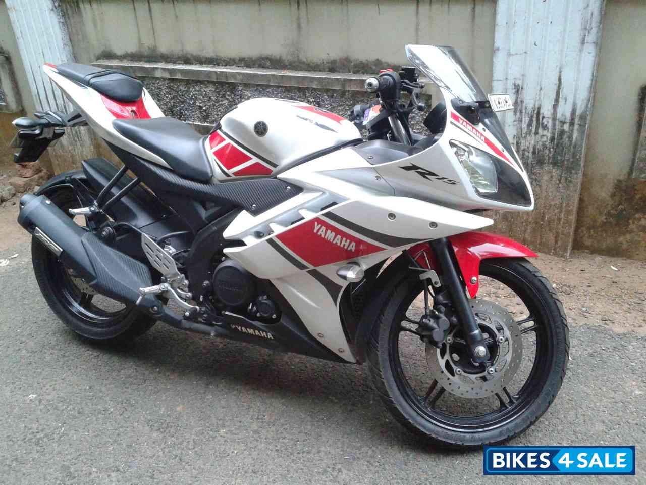 R15 V2 Red And White Limited Edition...