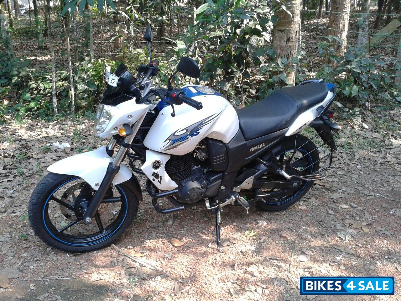 Second hand yamaha fz in alappuzha 2012 nov 10000km done for Yamaha fz back tyre price