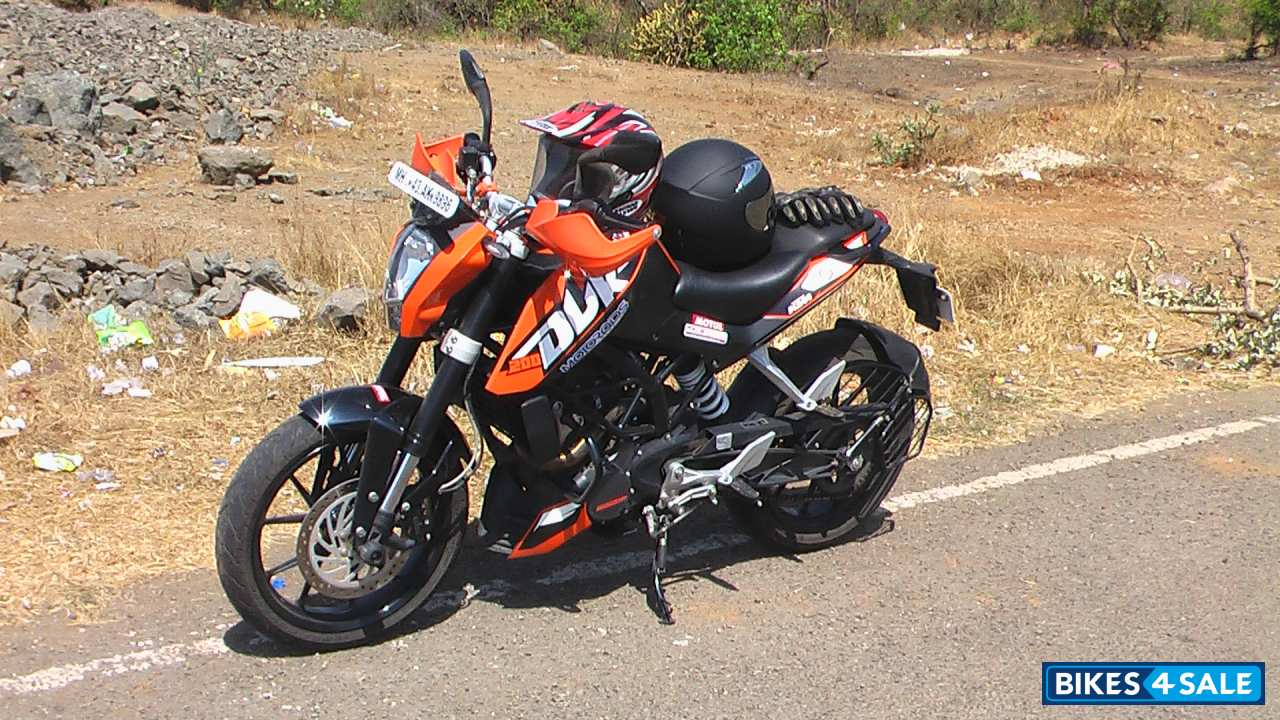 Orange Black KTM Duke 200