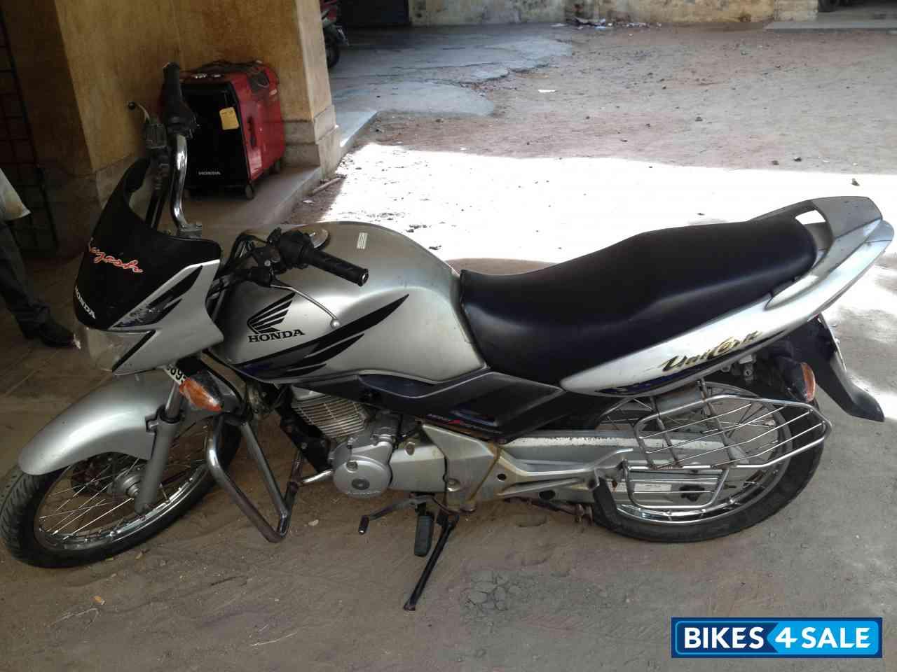 Silver Honda Unicorn Picture 2. Bike ID 101864. Bike ...