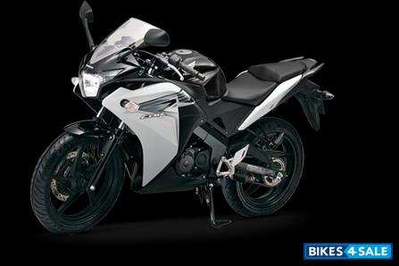 Honda cbr150r white black and white honda