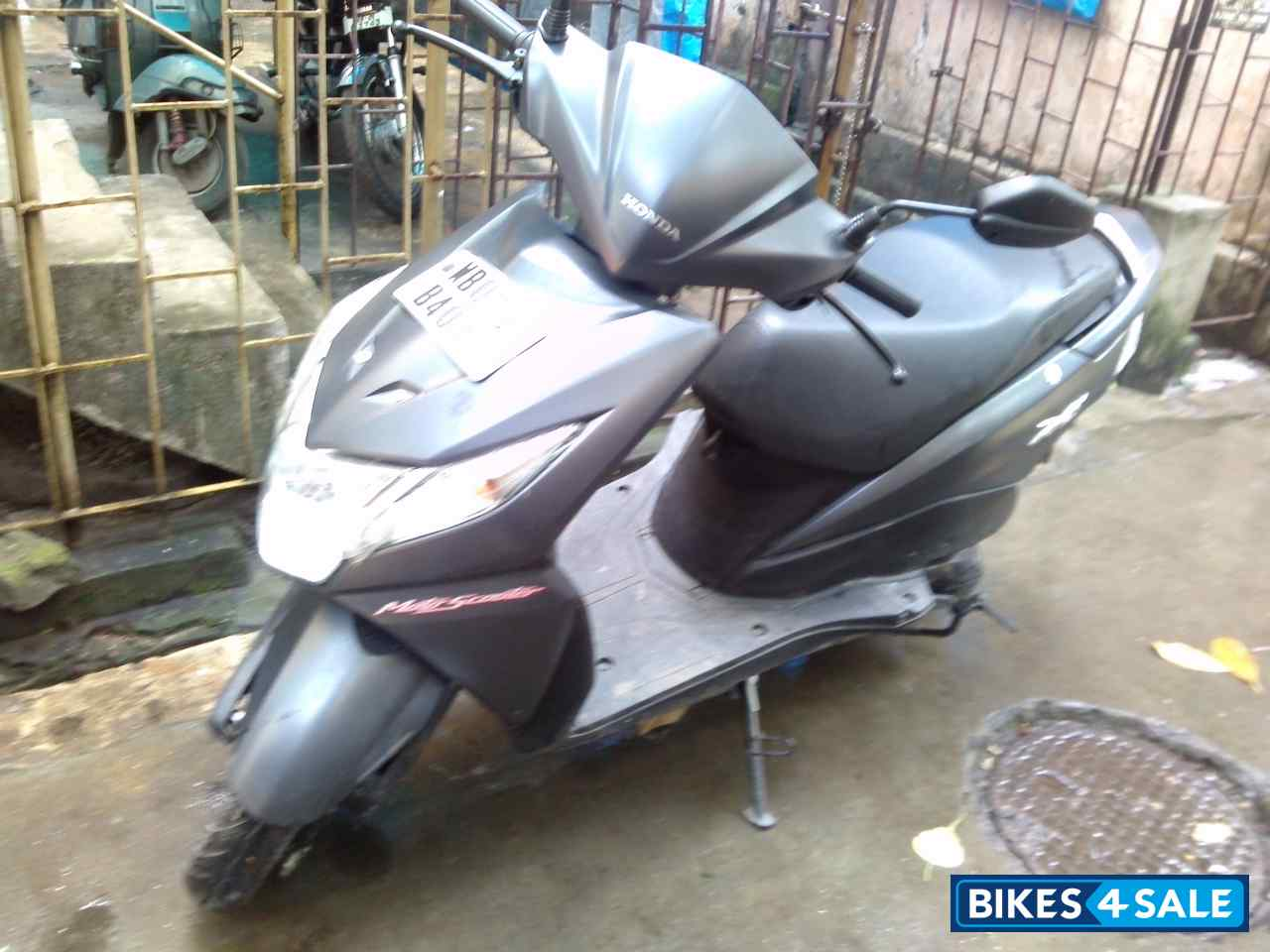 Snap Honda Dio Price I Am Planning To Buy Bikes Bike Stickers Design Second Hand In Kolkata Absolutely New Condition Two
