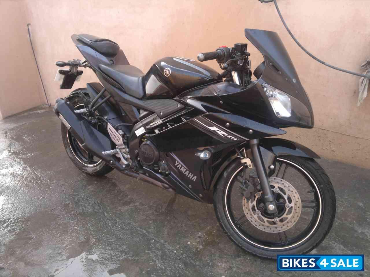 Black Yamaha YZF R15 V2 Photo 1  Album ID - 104874Yamaha R15 Black